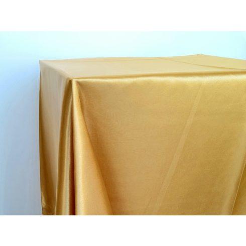 Arany szatén táblaabrosz kölcsönzés választható méretben