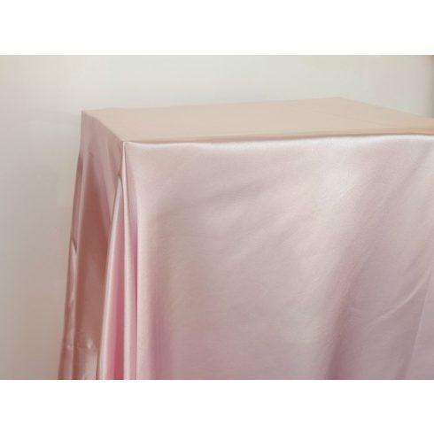 Halvány púderrózsaszín szatén táblaabrosz kölcsönzés választható méretben