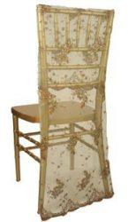 Arany színű csipke székszoknya kölcsönzés Chiavari székekre