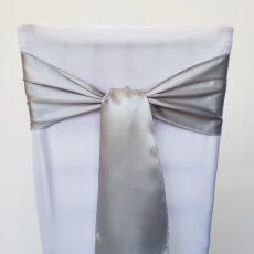 Ezüst színű szatén székmasni kölcsönzés
