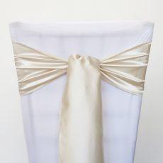 Krém színű szatén székmasni kölcsönzés