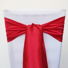 Piros színű szatén székmasni kölcsönzés
