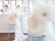 Fehér színű virágmotívum, székszoknya kölcsönzés fodor zuhataggal Chiavari székekre